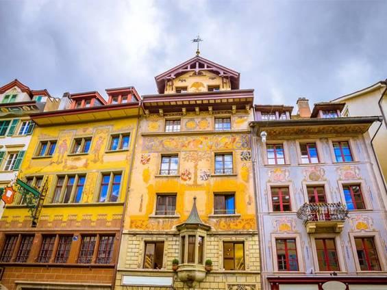 Immobilienkauf Schweiz, Luzern, Alpen, Vierwaldstättersee, Foto: olenaznakk/fotolia.com