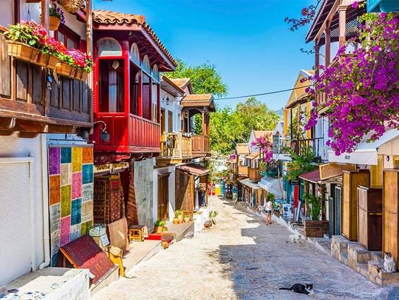 Immobilienkauf Türkei, Kaş, Foto: iStock/nejdetduzen