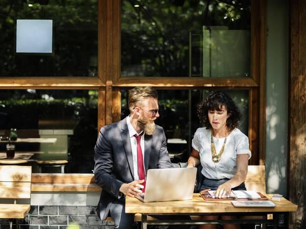 Gewerbegastronomie pachten, Gastronomie pachten, Pachtvertrag, Foto: Rawpixel/Unsplash.com
