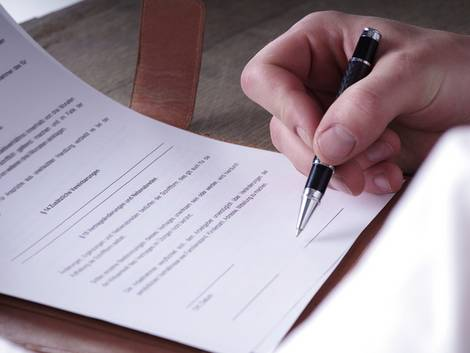 Auslandsimmobilie, Kaufvertrag, Notar, Foto: Wellnhofer Designs/fotolia.com