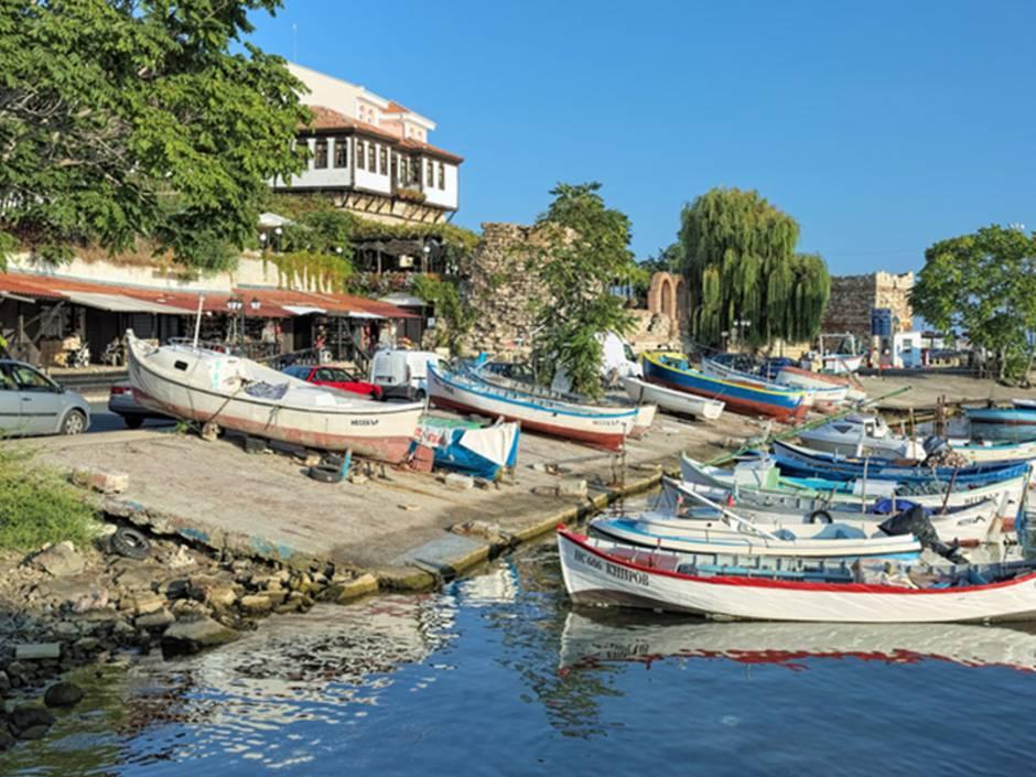 Immobilienkauf, Bulgarien, Vermietung, Ferienwohnung, Ferienhaus, Foto iStock/klug-photo