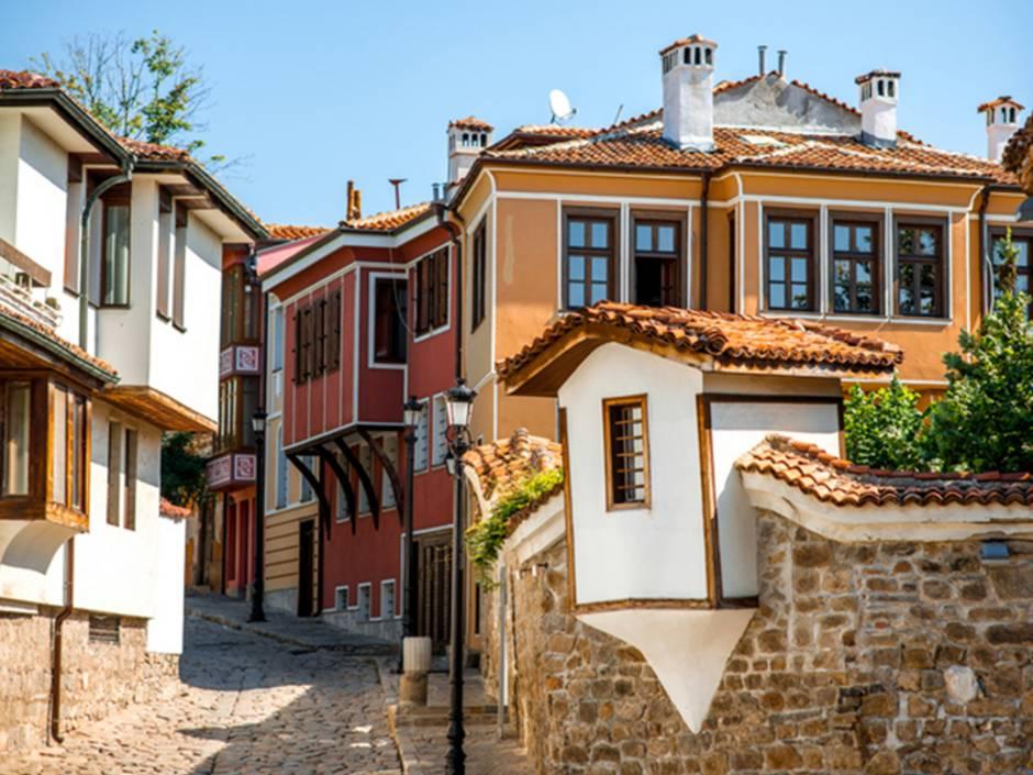 Immobilienkauf, Bulgarien, Plovdiv, wichtige Unterlagen, Foto: iStock/RossHelen