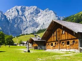 Chalet, Almhütte, Alpenregion, Foto: Wolfilser/ fotolia.com