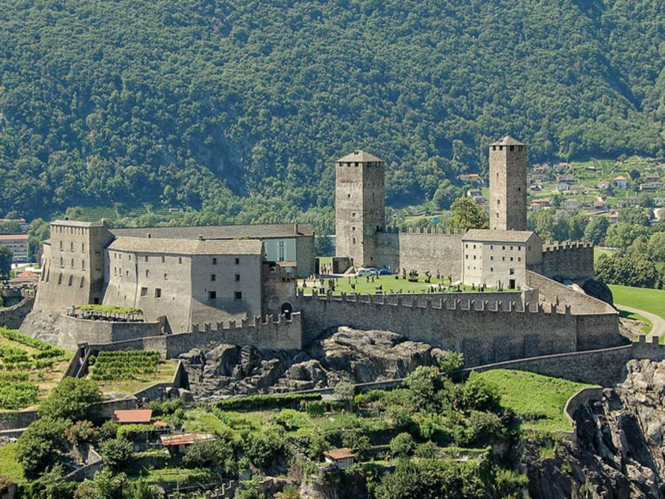 Schloss, Burg, Tessin, Foto:Ikonya/fotolia.com