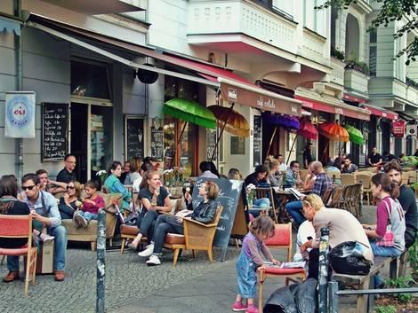 Berlin, Straßencafés in Friedrichshain, Foto: immowelt.de/Lessing/Pozoga