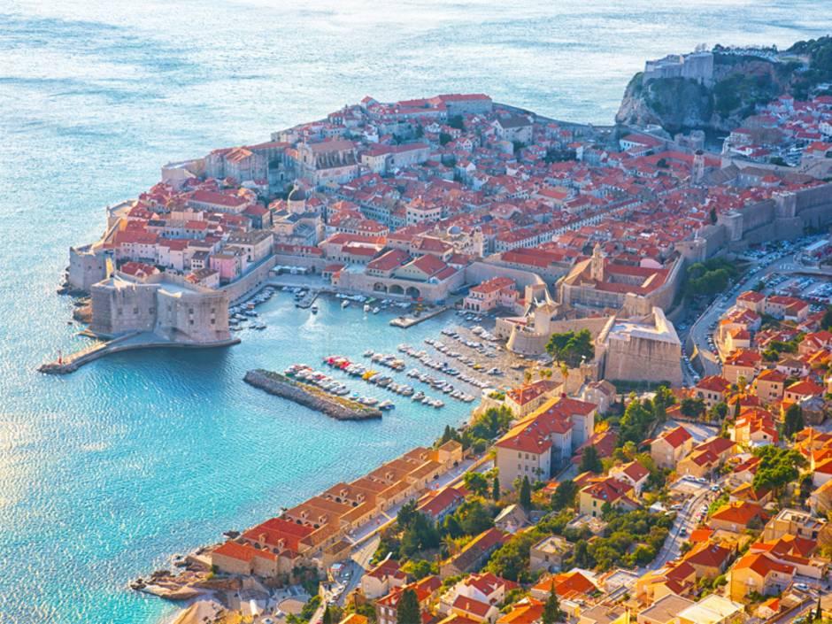 Immobilienkauf Kroatien, Luftbild der Altstadt von Dubrovnik, Foto: Shchipkova Elena / fotolia.de