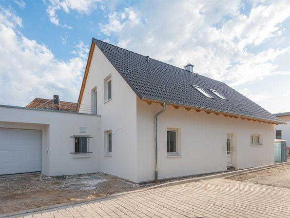 Hausbau-Kataloge, kostenlos, Preisklasse, Einfamilienhaus, Foto: schulzfoto/fotolia.com