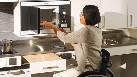 altersgerechte Küche, unterfahrbar, Arbeitsflächen, Foto: Granberg GmbH