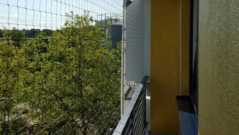 Tauben, Balkon, Netz, Foto: Kalff GmbH
