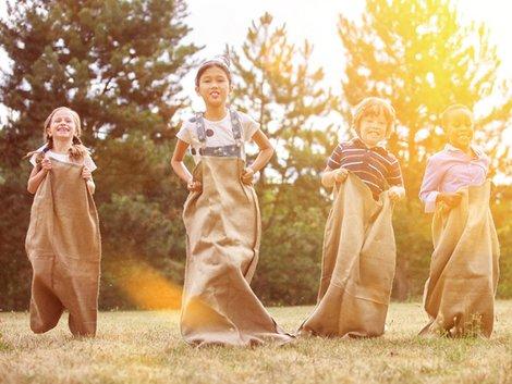 Umziehen mit Kindern, Kinderparty, Foto: Robert Kneschke/fotolia.com