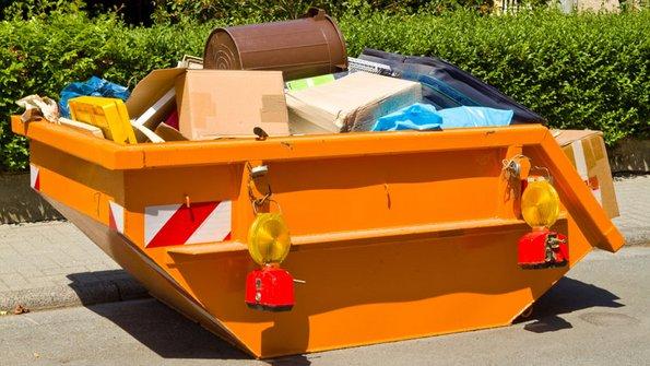 Haushaltsauflösung, Container, Foto: Birgit Reitz-Hofmann / stock.adobe.com