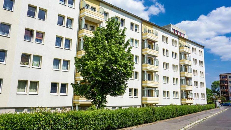 Genossenschaftswohnung, Plattenbau, Mietshaus Foto: marcus_hofmann / stock.adobe.com