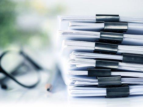 Vermittlung noch nicht gebauter Immobilien, Vertrieb, Unterlagen, Foto: pinkomelet/stock.adobe.com