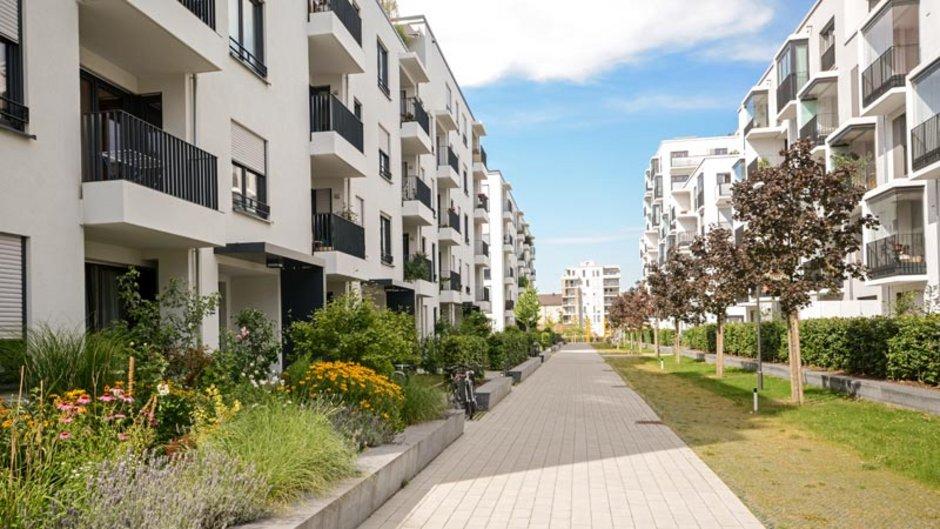 Eigentümergemeinschaft, Wohnungseigentümergemeinschaft, WEG, Mehrfamilienhaus, Wohnanlage, Foto: ah_fotobox / stock.adobe.com