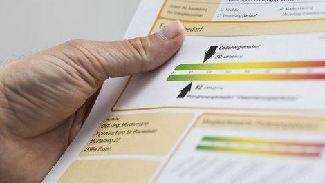 EnEV-Abmahnungen, Energieausweis, Foto: stock.adobe.com/vegefox.com