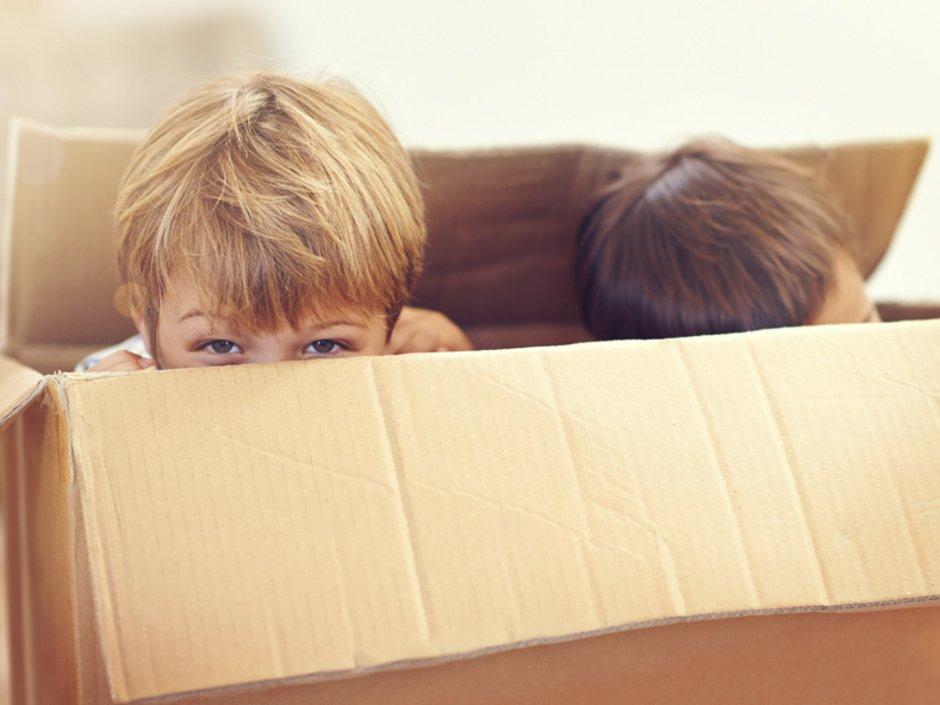 Umzug mit Kindern, Umzug planen, Wohnortwechsel, Foto: iStock/PeopleImages