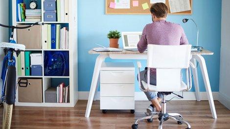 Immobilieneigentümer, Steuer absetzen, Arbeitszimmer, Foto: iStock.com / gpointstudio