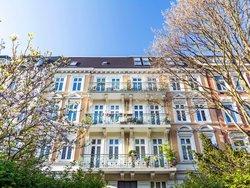 Ein Mehrfamilienhaus. Foto: stock.adobe.com/calando