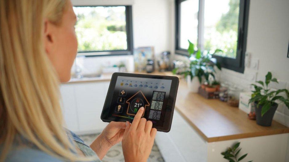 Smart Home, Tablet, Foto: goodluz / stock.adobe.com