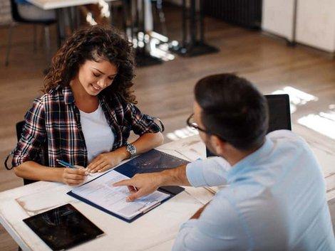 Wohngebäudeversicherung, Vertragsabschluss, Foto: djile/AdobeStock.com