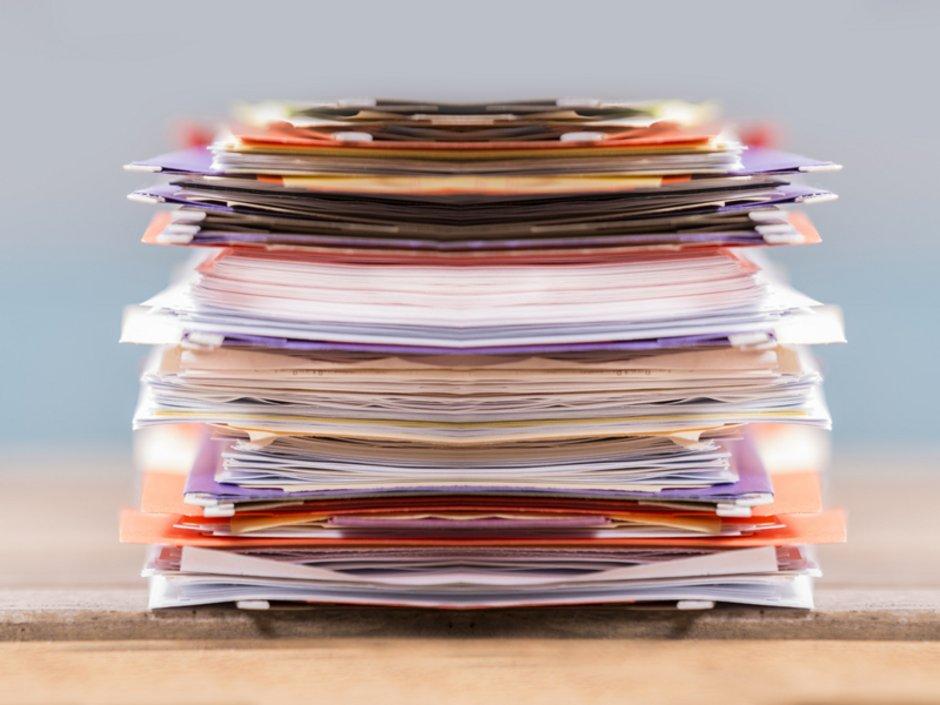 Auswandern, Dokumente, checken, Foto: iStock.com/fstop123