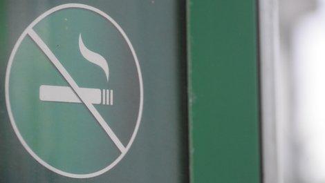 Rauchen Mietwohnung, Rauchverbot im Treppenhaus, Foto: tzahiV / stock.adobe.com