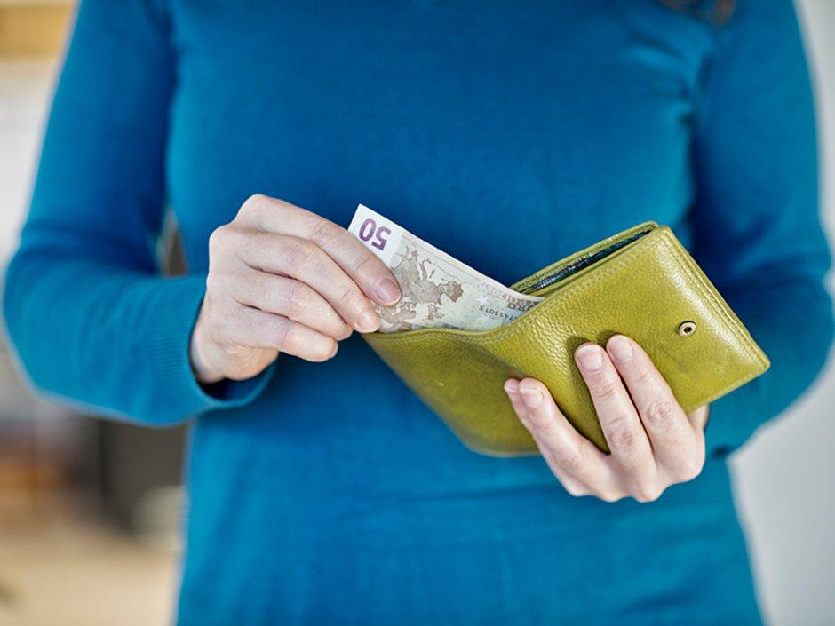 Mietschuldenfreiheitsbescheinigung, Geld, Foto: SilviaJansen / iStock.com
