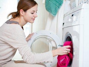 Kleidermotte, Kleidung waschen, Foto: Viktor Cap/fotolia.com