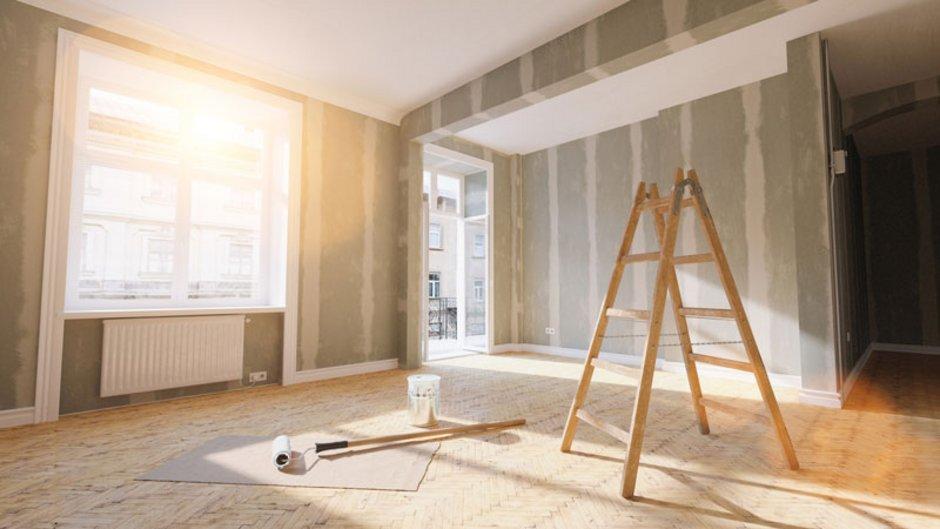 Eine Wohnung wird instand gesetzt. Foto: istock.com / rclassenlayouts