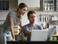 Vorfälligkeitsentschädigung, Paar, Foto: fizkes / stock.adobe.com