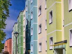 Blick auf die Außenfassade eines Mietshauses. Foto: ArTo/adobe.stock.com
