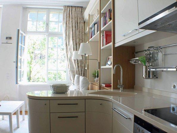 Küchenzeile, kleine Wohnung einrichten, kleines Zimmer einrichten, kleine Räume gestalten, Foto: Claudia Haubrock / www.claudia-haubrock.de