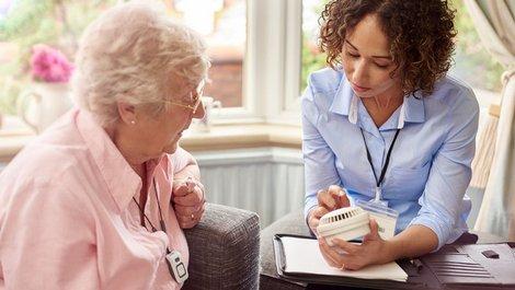 Rauchmelder, Rauchmelderpflicht, Rauchmelder mieten, Foto: iStock.com / sturti