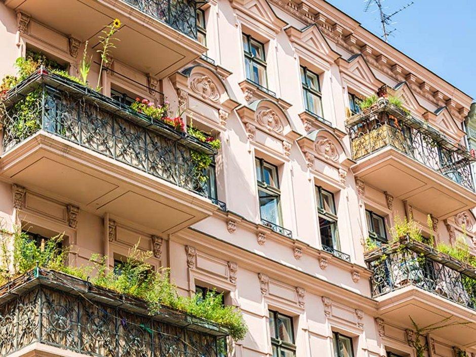 Wohnungseigentumsgesetz, WEG, Mehrfamilienhaus, Eigentumswohnungen, Foto: iStock.com/querbeet