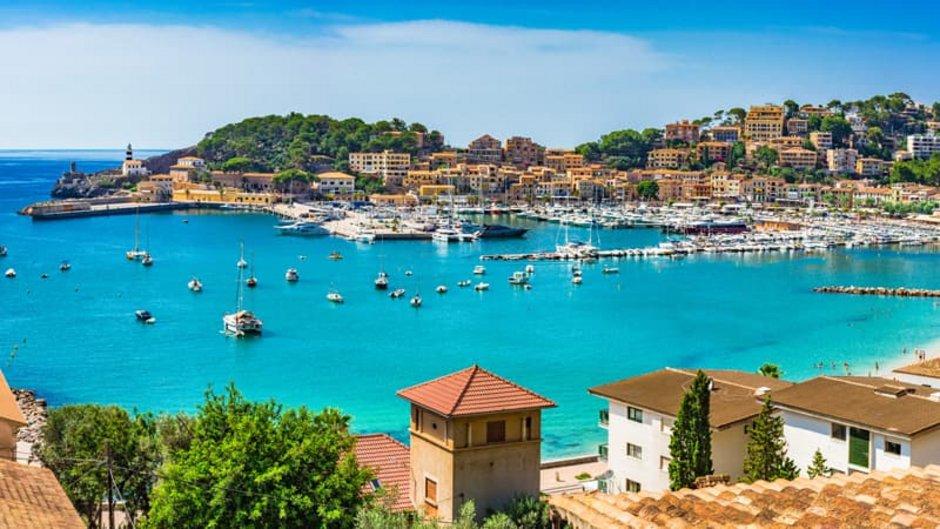Auswandern nach Mallorca, Hafen Porto Colom, Foto: vulcanus/stock.adobe.com