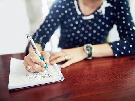 Mietausfallversicherung, Versichertenpflichten, Foto: PeopleImages/iStock