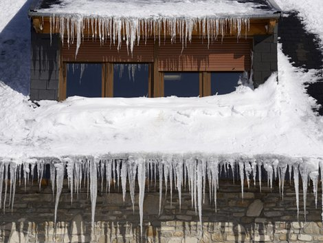 Eiszapfen, Haus, Dach, Winter, Foto: pedrosala / fotolia.com