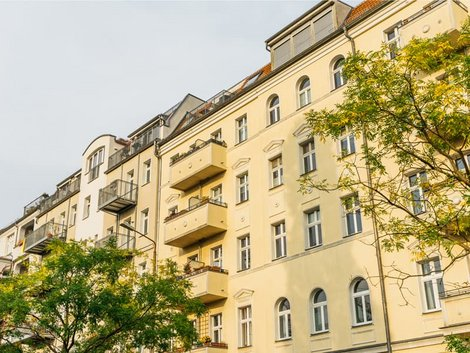 Diskriminierung auf dem Wohnungsmarkt, Mehrfamilienhäuser in Berlin, Foto: iStock.com/Terroa