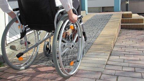 Altersgerechtes Wohnen, Zugang, barrierefrei, Rampe, Foto: RioPatuca Images / adobe.stock.com