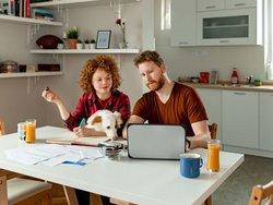 Eigentumswohnung, Nebenkosten, Foto: PixelsEffect/iStock.com