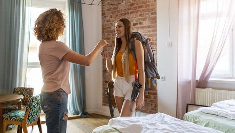 Wohnung gewerblich nutzen, Mietwohnung an Feriengäste untervermieten, Foto: pikselstock / stock.adobe.com