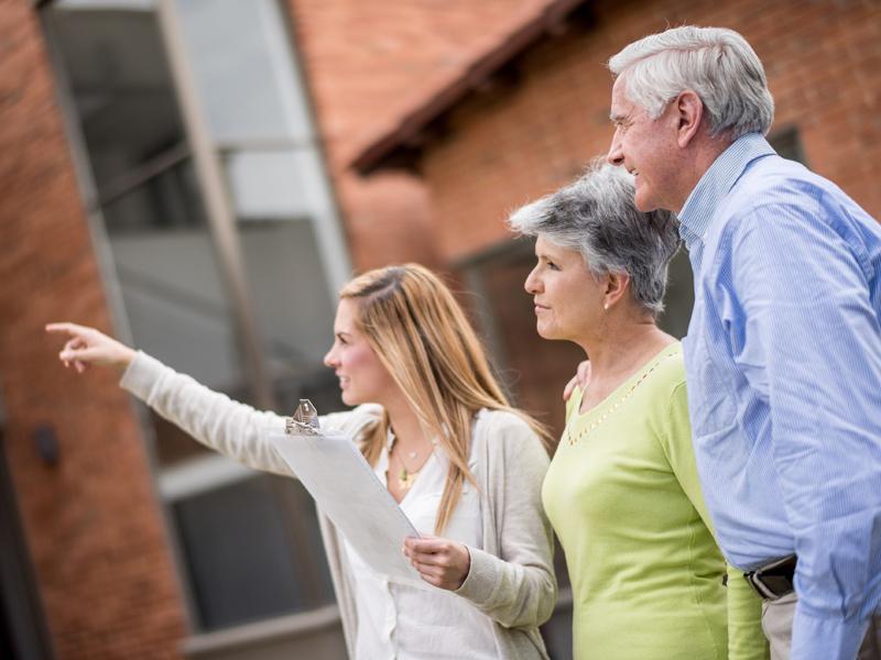 Immobilienvermittlung Senioren, Foto: iStock / andresr